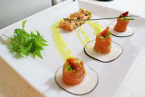 Makis revisités : Carpaccio de saumon et purée de petits pois citron vert !