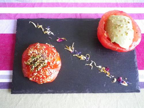 Sorbet avocat citron vert , tomate caramélisée aux graines de sésame