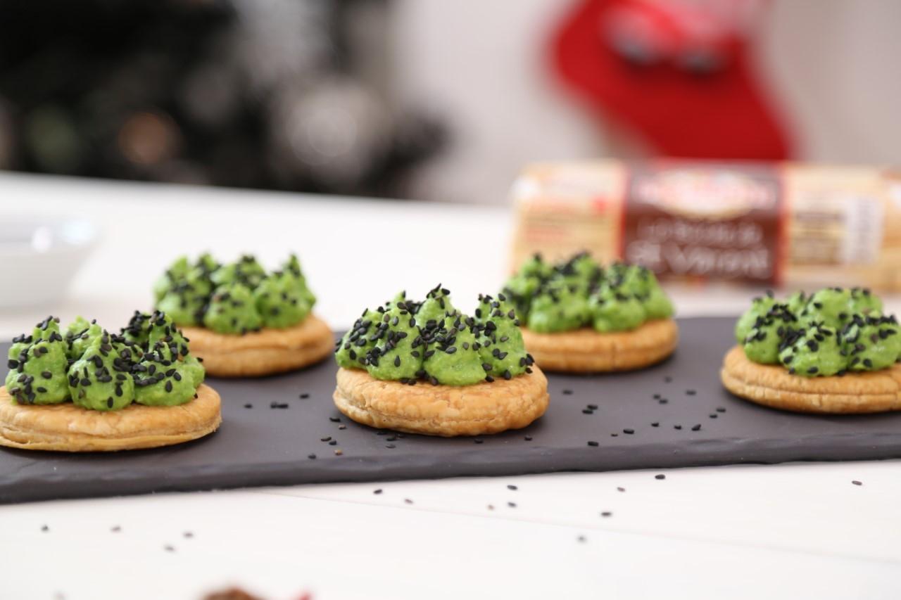 Tartelette à la crème de petits pois et bûche St Varent