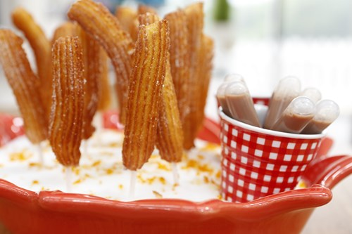 Churros au zeste d'orange, pipette de chocolat-orange