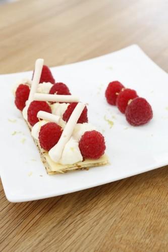 Crêpes revisitées en tarte aux framboises, crème citron basilic